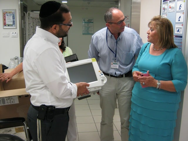 Donation of a state-of-the-art monitor to the children's ward in Bnai Zion – Rothschild